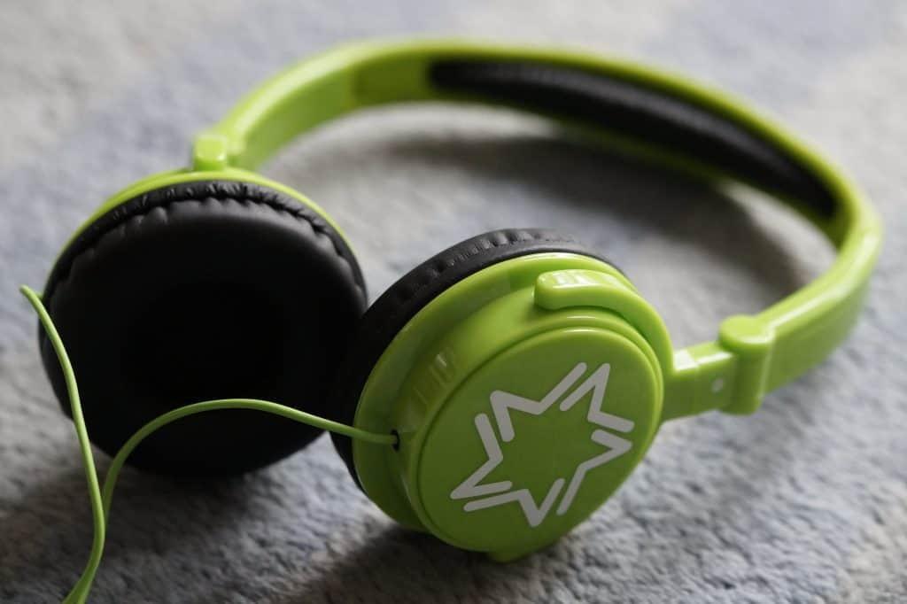 Audioknihy-co-posloucháme
